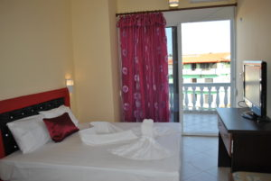 Double room with city and islands view